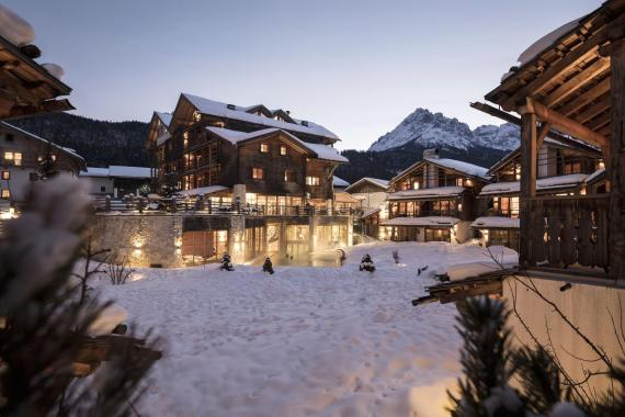 Post Alpina Family Mountain Chalets****s